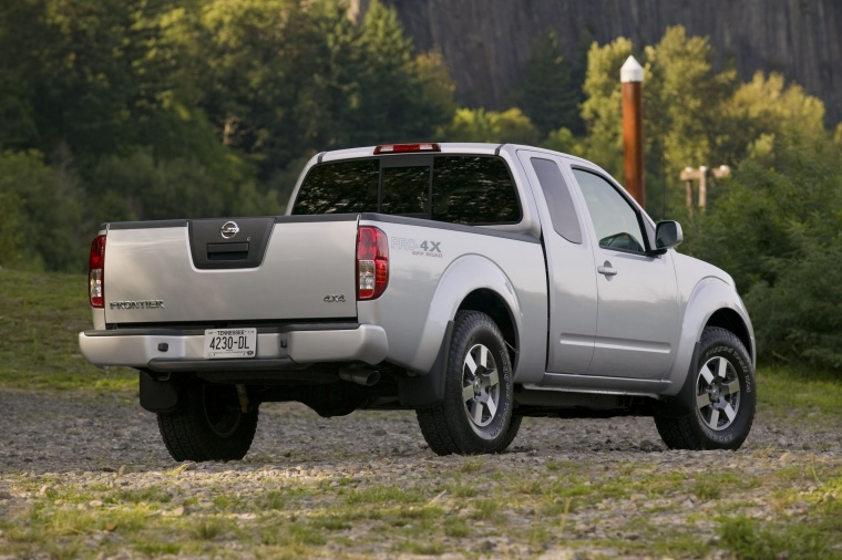 2014 Nissan Frontier King Cab PRO-4X 4WD Picture