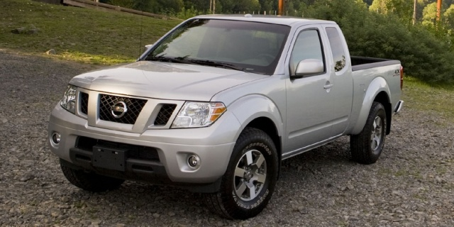 2015 Nissan Frontier Pictures
