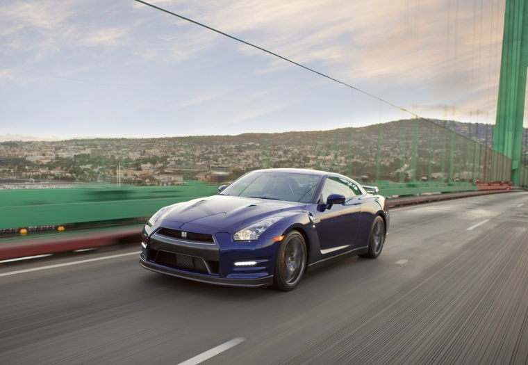 2012 Nissan GT-R Coupe Picture