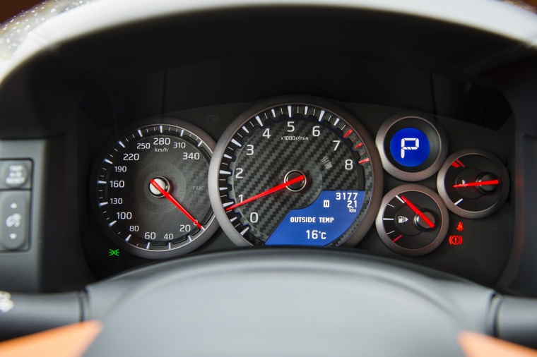 2017 Nissan GT-R Coupe Premium Gauges Picture