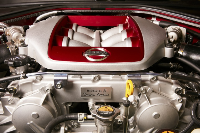 2017 Nissan GT-R Coupe Track Edition 3.8-liter twin-turbocharged V6 Engine