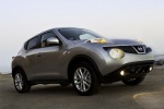 2014 Nissan Juke SL AWD in Brilliant Silver - Static Front Right Three-quarter View