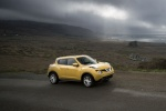 2016 Nissan Juke SL AWD in Solar Yellow - Static Front Right Three-quarter View