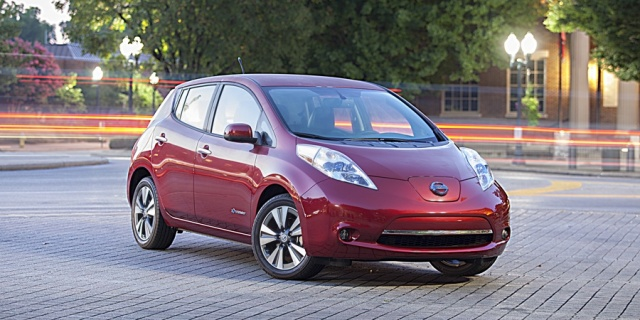 2015 Nissan Leaf Pictures