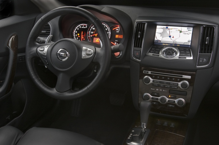 Nice 2010 Nissan Maxima Cockpit Picture
