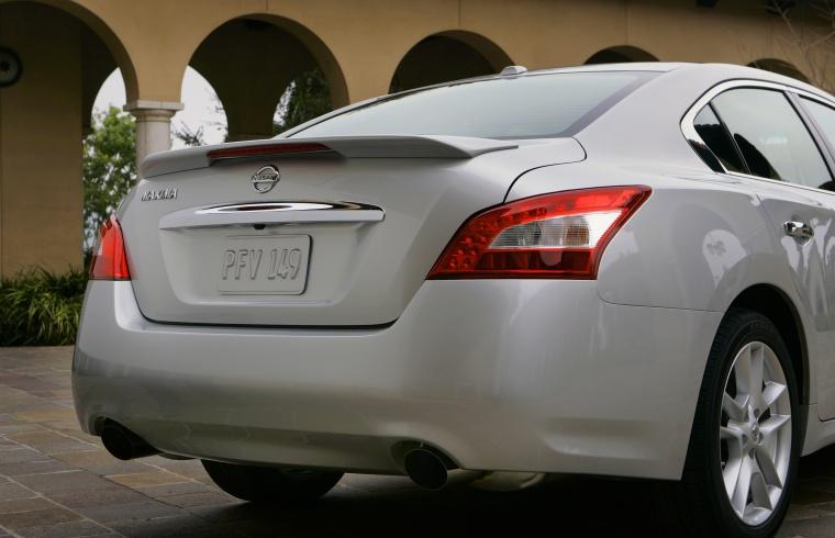 2010 Nissan Maxima Rear Facia Picture