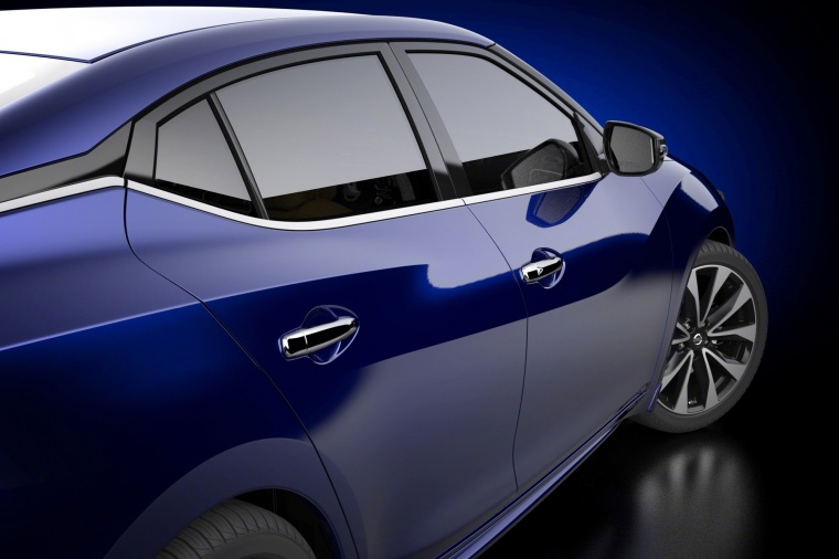 2016 Nissan Maxima SR Sedan Side View Picture