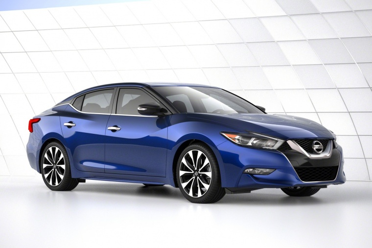 2016 Nissan Maxima SR Sedan in color from a front right view