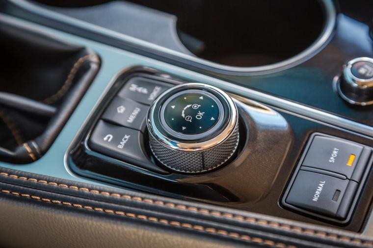 2016 Nissan Maxima SR Sedan Controller Picture