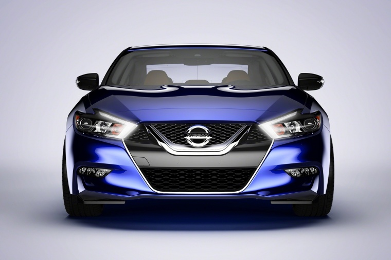 2016 Nissan Maxima SR Sedan in Deep Blue Pearl from a frontal view