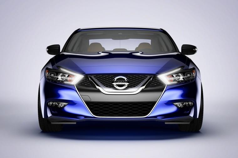2016 Nissan Maxima SR Sedan Picture