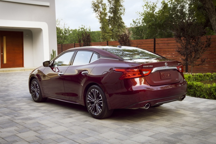 2016 Nissan Maxima Platinum Sedan Picture