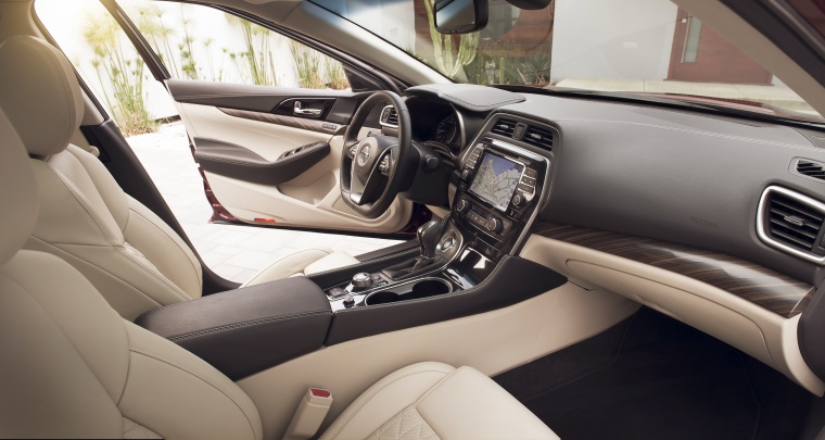 2016 Nissan Maxima Platinum Sedan Front Seats Picture