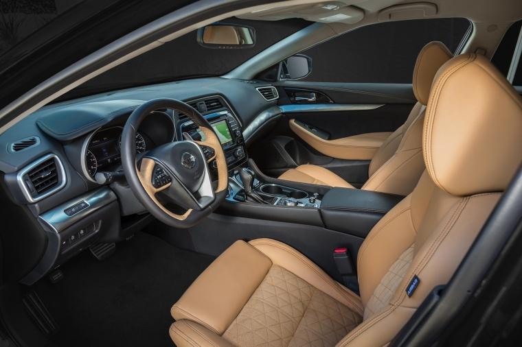 2017 Nissan Maxima SR Sedan Front Seats Picture
