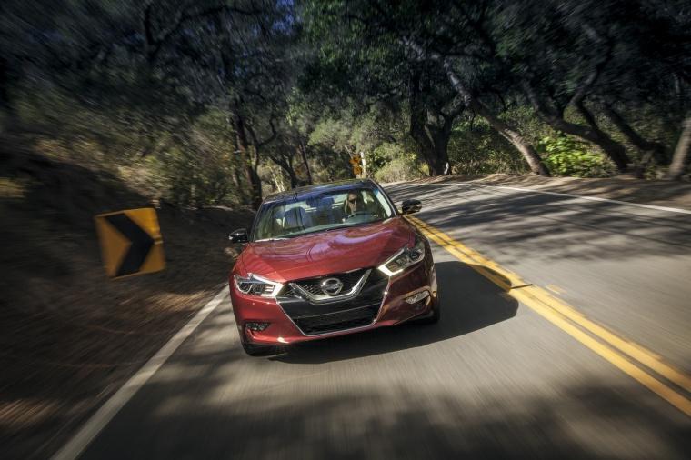 2017 Nissan Maxima Platinum Sedan Picture