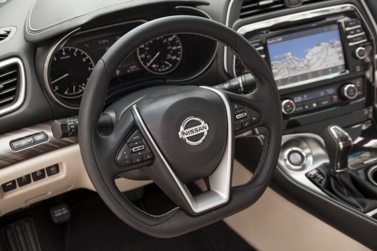 2017 Nissan Maxima Platinum Sedan Interior Picture