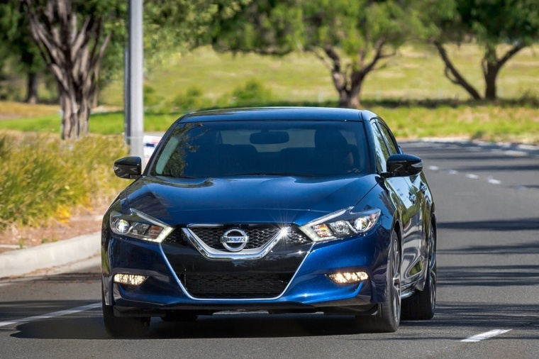 2018 Nissan Maxima SR Sedan Picture