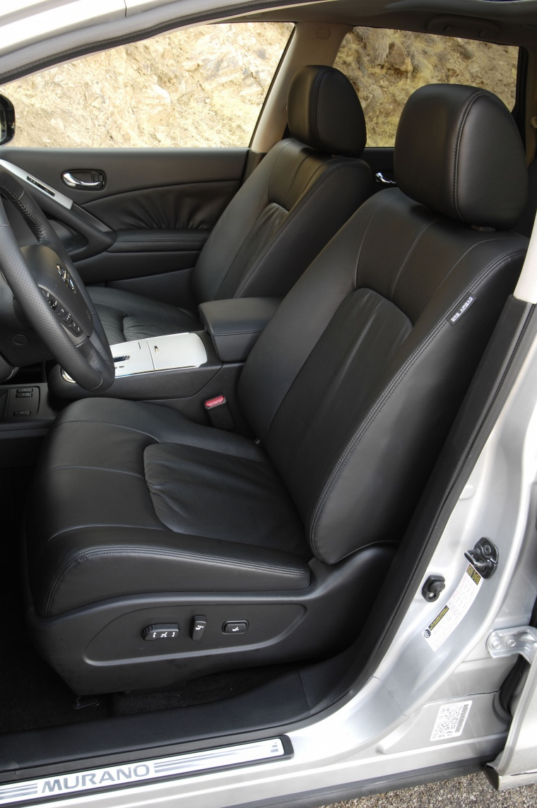 2010 Nissan Murano Front Seats Picture
