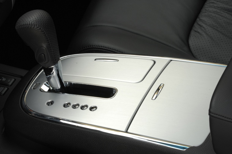 2010 Nissan Murano Gear Lever Picture
