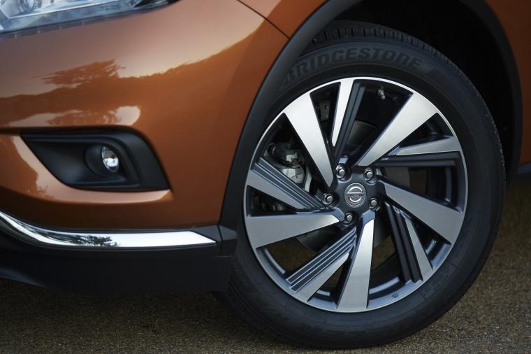 2018 Nissan Murano Platinum AWD Rim Picture