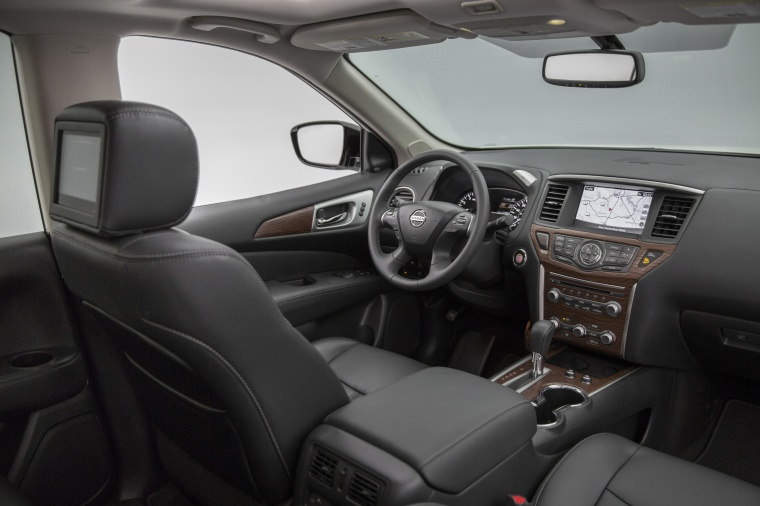 2018 Nissan Pathfinder Platinum Interior Picture
