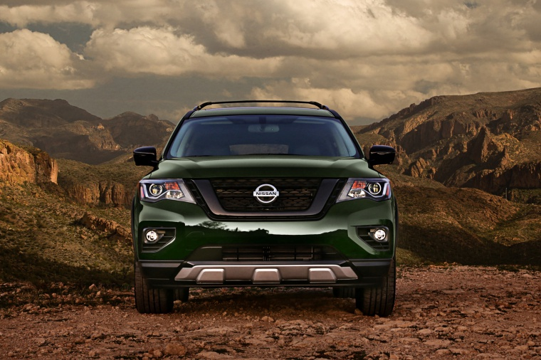 Picture of a 2020 Nissan Pathfinder SL Rock Creek Edition 4WD in Midnight Pine Metallic from a frontal perspective