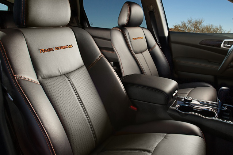 Picture of a 2020 Nissan Pathfinder SL Rock Creek Edition 4WD's Front Seats