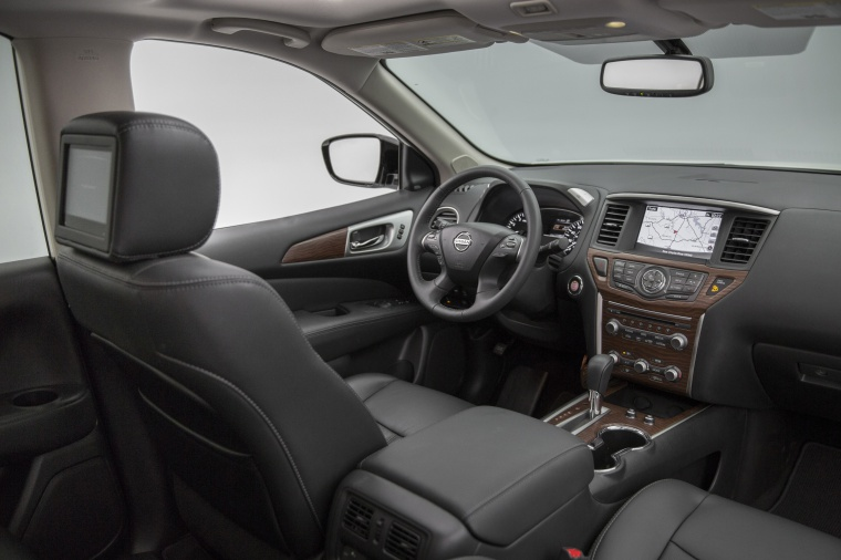 Picture of a 2020 Nissan Pathfinder Platinum's Interior
