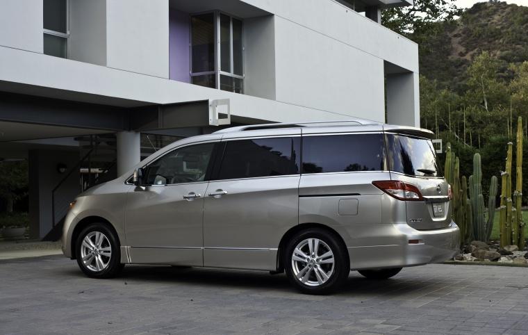 2012 Nissan Quest Picture