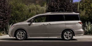 2015 Nissan Quest Pictures