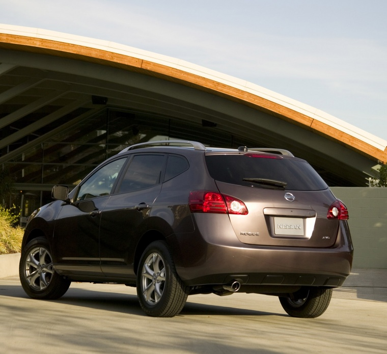 2010 Nissan Rogue Picture