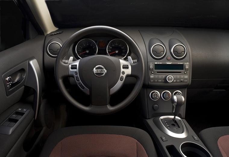 2010 Nissan Rogue Cockpit Picture