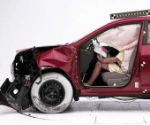 2010 Nissan Rogue IIHS Frontal Impact Crash Test Picture