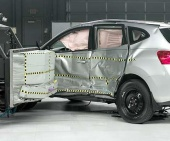 2012 Nissan Rogue IIHS Side Impact Crash Test Picture