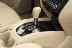 Picture of a 2014 Nissan Rogue SL AWD's Gear Lever