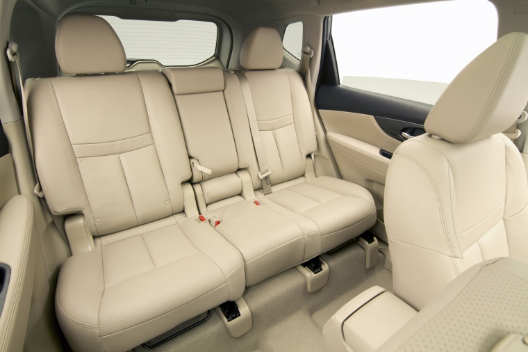 2015 Nissan Rogue SL AWD Rear Seats Picture