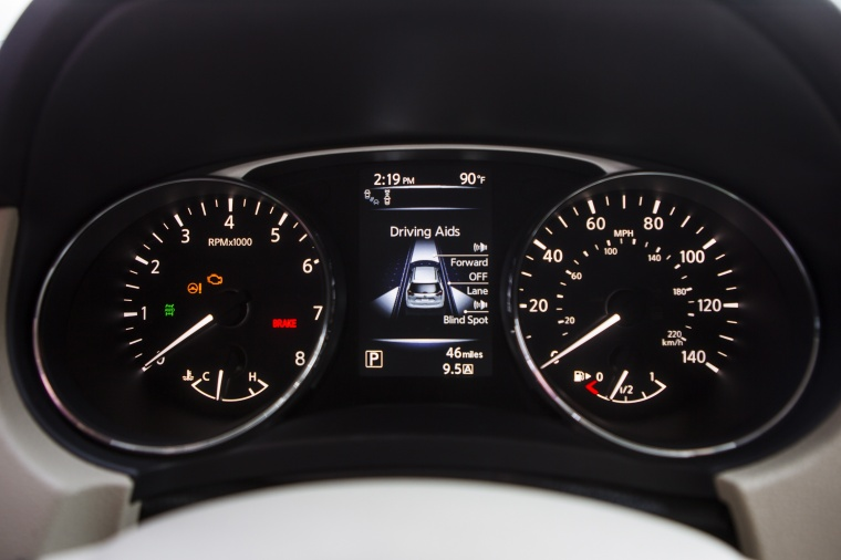 2015 Nissan Rogue SL AWD Gauges Picture