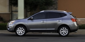 Research the Nissan Rogue Select