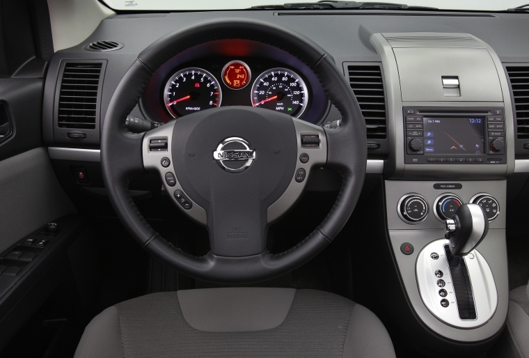 2012 nissan sentra sr special edition sedan cockpit picture pic image. Black Bedroom Furniture Sets. Home Design Ideas