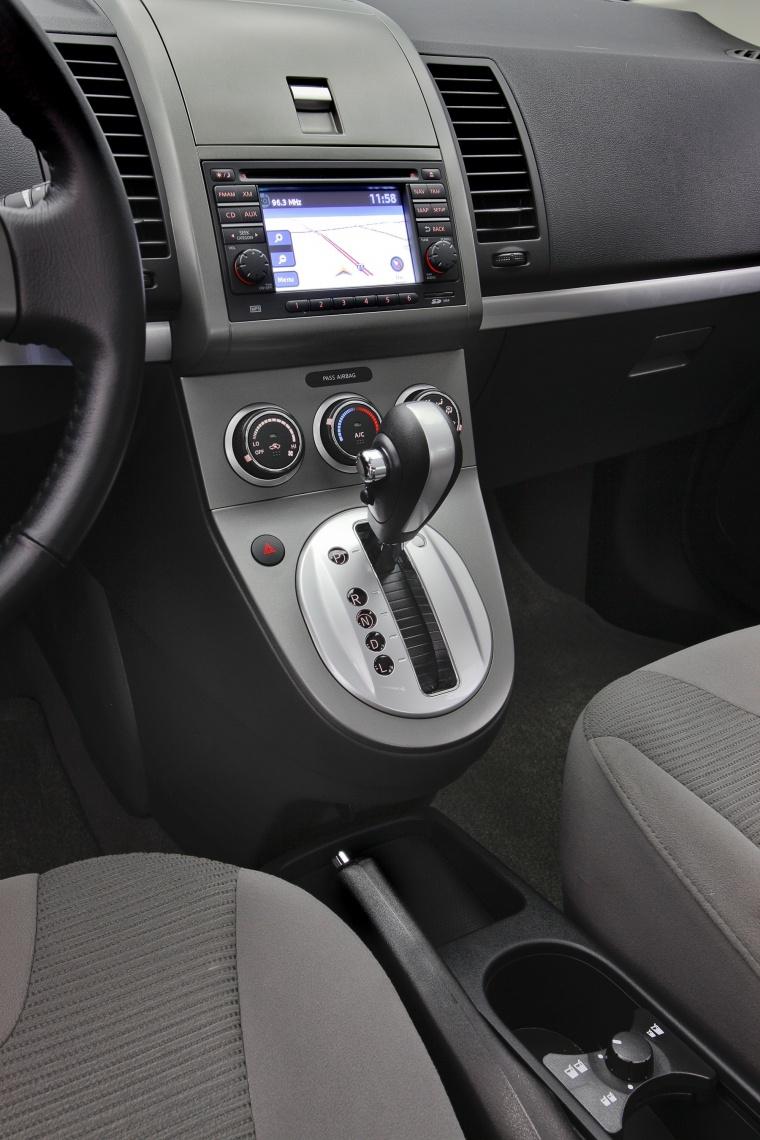 2012 Nissan Sentra SR Special Edition Sedan Center Console Picture