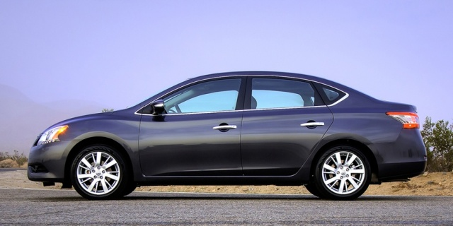 2015 Nissan Sentra Pictures