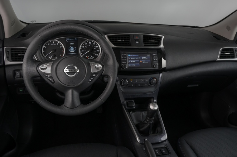 2017 Nissan Sentra SR Turbo Cockpit Picture