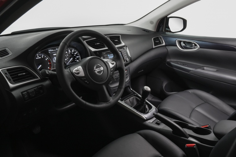 2017 Nissan Sentra SR Turbo Interior Picture