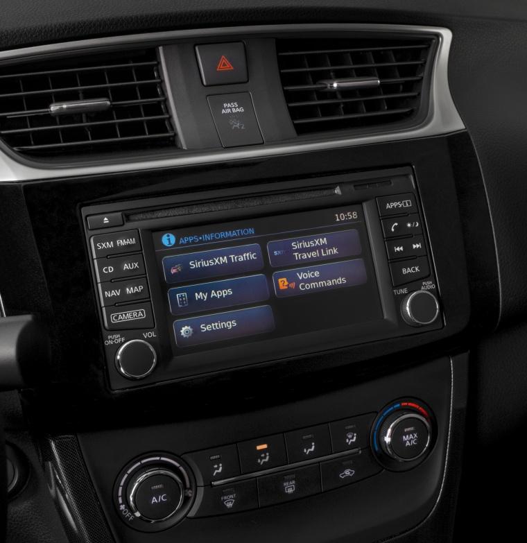 2017 Nissan Sentra SR Turbo Center Stack Picture