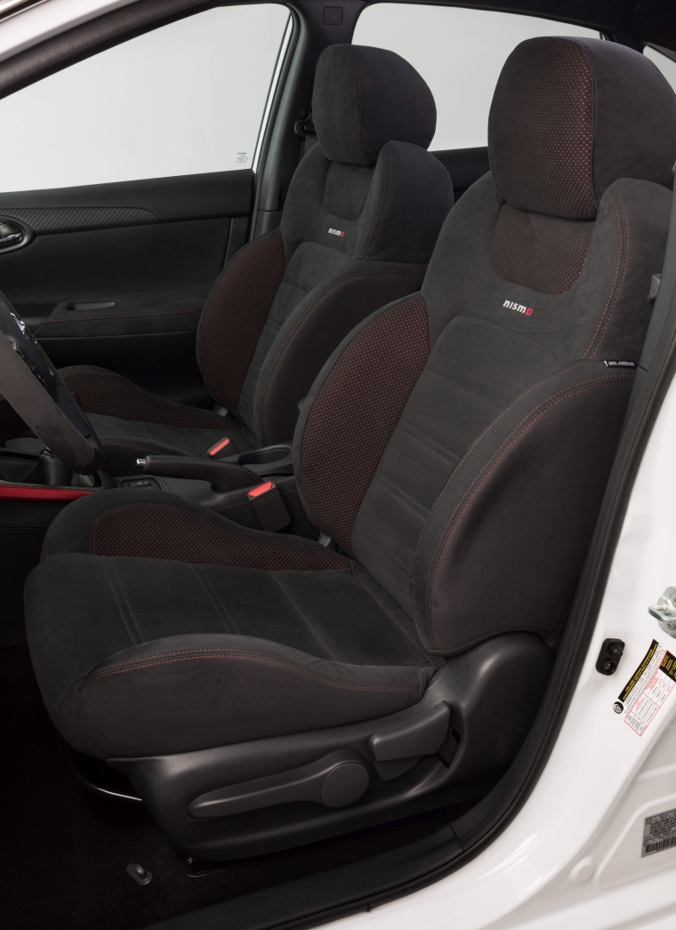 2017 Nissan Sentra NISMO Front Seats Picture