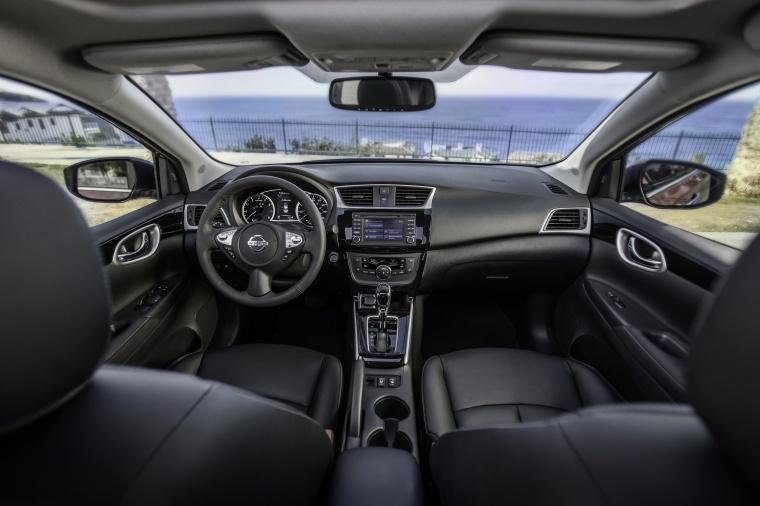 2017 Nissan Sentra Cockpit Picture