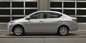 2012 Nissan Versa Reviews / Specs / Pictures / Prices