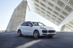 Picture of a 2019 Porsche Cayenne e-Hybrid AWD in White from a front right three-quarter perspective