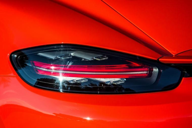 2018 Porsche 718 Cayman S Tail Light Picture