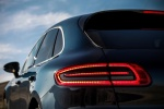 Picture of 2016 Porsche Macan S Tail Light